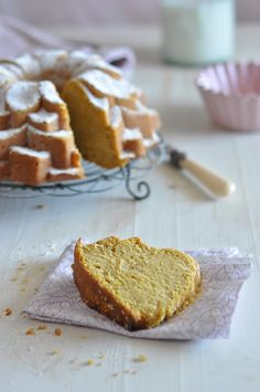 Beautiful Pumpkin Bundt Cake http://www.marthastewart.com/315295/spicy-pumpkin-bundt-cake