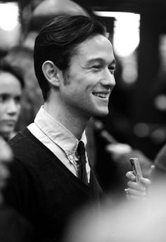 Joseph Gordon-Levitt IS SUPER MEGA GORGEOUS. Had to be said.