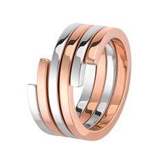 La bague Spirale de Dinh Van http://www.vogue.fr/joaillerie/le-bijou-du-jour/diaporama/la-bague-spirale-de-dinh-van/12563