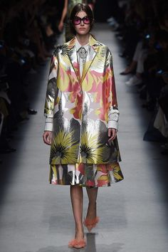 Rochas Spring 2016 Ready-to-Wear Collection Photos - Vogue