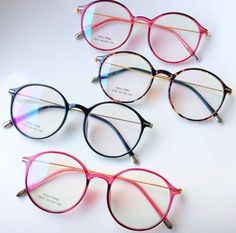 Big Glasses, Glasses For Your Face Shape, Glasses Frames Trendy, Glasses Trends, Accesorios Casual, Fashion Eye Glasses, Eyeglasses, Murcia, Clothes