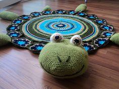 Crochet turtle rug. Free pattern.
