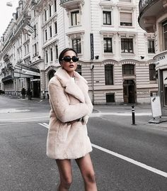 Uploaded by Rosalie H. Find images and videos about fashion and style on We Heart It - the app to get lost in what you love. Womens Fashion Online, Latest Fashion For Women, Love Fashion, Fashion Women, Style Fashion, Kendall Jenner, Kris Jenner, Teen Choice Awards, Khloe Kardashian