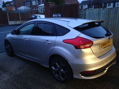 2015 Ford Focus ST in for 18% Carbon tints for added style and comfort.