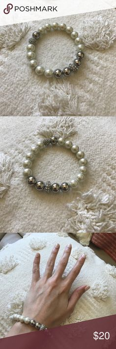 // Stella & Dot Maise Pearl Bracelet // New without tags, no imperfections. Classic pearl bracelet from Stella & Dot. Stella & Dot Jewelry Bracelets