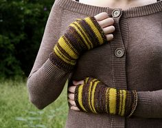 Bee's Knees Fingerless Gloves pattern by Leanne of Prairiesque. malabrigo Sock and Lace. Piedras and Sauterne colorway.