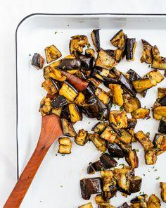 Roasted Eggplant Pasta, Roast Eggplant, Baked Eggplant, Grilled Eggplant, Best Eggplant Recipe, Eggplant Recipes, Easy Vegetarian Dinner, Vegetarian Cookbook, Vegetarian Recipes