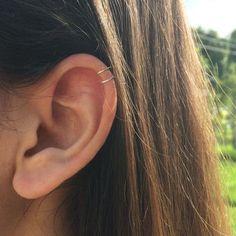 >>>Visit>> tiny double wrap ear cuff fake piercing no piercing needed double cuff small upper ear cuff cartilage cuff dainty ear cuff boho cuff Septum Piercings, Fake Helix Piercing, Tragus, Faux Piercing Oreille, Piercing Implant, Ear Peircings, Cute Ear Piercings, Cartilage Earrings, Piercing Tattoo