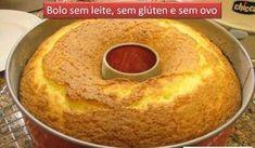 Bolo de laranja sem glúten e sem ovo. 200 ml de suco de laranja 1/2 copo de óleo 1 copo cheio de açúcar 1 pitada de sal 2 copos e 1/2 de farinha de arroz 1 colher de sopa bem cheia de fermento em pó 1 colher de café de farinha de linhaça (ela substitui o ovo) Modo de Preparação Bata todos os ingredientes no liquidificador; Coloque em uma forma untada com óleo; Leve ao forno médio, pré-aquecido, por cerca de 40 minutos, ou até dourar.