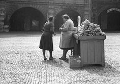 Prague, Czech Republic, Black And White, Couple Photos, Retro, Photography, Historia, Couple Shots, Photograph