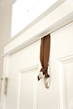 We all love Command Hooks and they are great for organizing! Here are 10 unique uses for command hooks you may have never thought to do around your home. Command Hooks, Command Strips, Fall Decor, Holiday Decor, Front Door Decor, Front Door Wreaths, Front Porch, Door Hangers, Home Projects