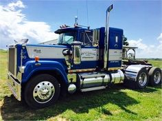 Acquire fantastic tips on work trucks. They are actually accessible for you on our site. Mack Dump Truck, Old Mack Trucks, Big Rig Trucks, Dump Trucks, Cool Trucks, Pickup Trucks, Mack Trucks For Sale, Custom Big Rigs, Custom Trucks