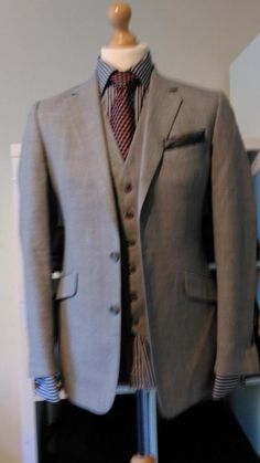 £70 MENS REISS LONDON TWO PIECE ITALIAN BLAZER AND WAISTCOAT 38R EU 48 SUIT JACKET #style #fashion #menswear #finemen #sexy #shopping #sales #clothes #winter #menscoat #fashionista #love #likes #today  #dope