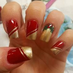 Sparkling Red And Golden Christmas Nail Design