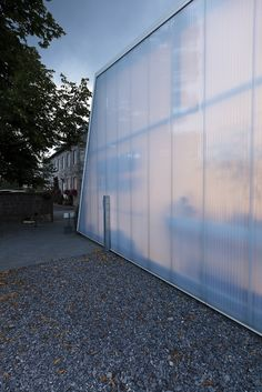 Plant Nursery with Rodeca panels Polycarbonate Greenhouse, Polycarbonate Panels, Architecture 101, Cafe Concept, Plant Nursery, Prefab Homes, House Design, Cafe Design, Glass