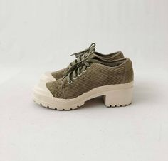 newest 11b1c d4adf Vintage 90s Chunky Platform Sneakers - Womens Green Corduroy Lace Up Shoes  by Chinese Laundry -