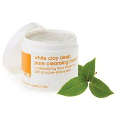 LATHER White Clay Deep Pore Cleansing Mask - Kaolin Clay will keep your skin's oil production under wraps & your blemish prone skin under control when you use this 10 minute mask. Free of parabens & sulfates, it's perfect for all skin types and, as with all LATHER products, has been formulated for migraine sufferers.