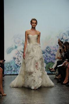 Gorgeous Monique Lhuillier dress