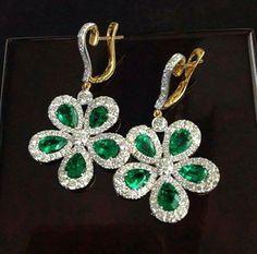 Emerald Cut Diamonds, Colored Diamonds, Diamond Cuts, Expensive Jewelry, Emerald Earrings, Natural Diamonds, Diamond Jewelry, Jewelery, Crochet Earrings