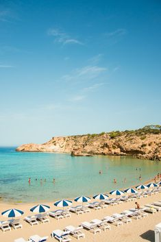 No Photoshop. Cala Tarida in Ibiza is THIS good. Ibiza Beach Club, Beach Pool, Hotel Ibiza, Ibiza Trip, Excellence Resorts, Places In Spain, Private Yacht, Tropical, No Photoshop