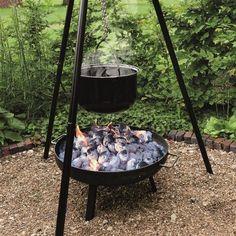 Schwenkgrill-Grill-Set-inklusive-Feuerschale-Gulaschkessel-Flammlachshalter
