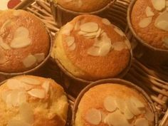 HM♫簡単しっとりマフィンの画像 Baking Recipes, Muffin, Food And Drink, Sweets, Cooking, Breakfast, Cupcake, Cooking Recipes, Kitchen