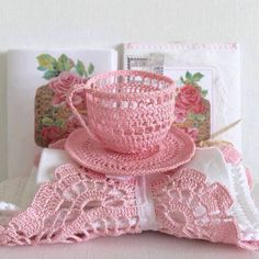 crocheted tea cup & saucer