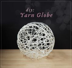 Yarn Globe - the perfect outdoor decoration - use a large fitness ball or beach balls that you can deflate Fun Crafts, Diy And Crafts, Arts And Crafts, Diy Projects To Try, Craft Projects, Craft Ideas, Round Balloons, Branch Decor, General Crafts