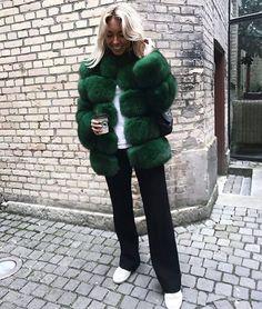 "461 gilla-markeringar, 13 kommentarer - HAFNIUM Copenhagen (@hafniumcopenhagen) på Instagram: "" Swedish blogger @elinskoglund Doesn't she look amazing #hafniumcopenhagen #sagafurs…"""