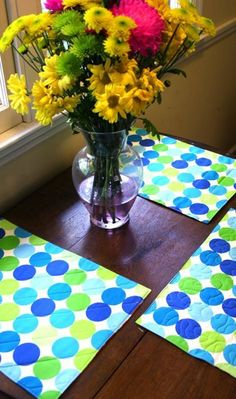 DIY : Quick & Simple Reversible (& Washable!) Placemat Tutorial..