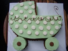 This looks like an easy carriage baby shower cake to make! Baby Shower Verde, Baby Shower Menu, Baby Shower Desserts, Simple Baby Shower, Baby Boy Shower, Baby Shower Gifts, Baby Shower Sheet Cakes, Cupcake Cakes, Fun Cakes