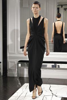 Sfilata Balenciaga Paris - Collezioni Autunno Inverno 2013-14 - Vogue