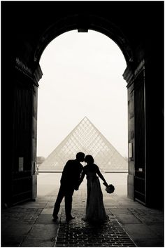 Wedding at Louvre Paris  | Photography © Juliane Berry via French Wedding Style