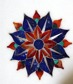 Pietra Dura- Carved semiprecious stones inlay to create elaborate patterns. Developed in Italy during the Renaissance, the technique was applied to decorate the interior of the Taj Mahal. Art Floral, Taj Mahal Interior, Mughal Architecture, Esoteric Art, Indian Prints, India Art, Marble Art, Rangoli Designs, Islamic Art