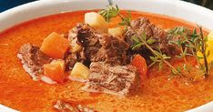 Hungarian Recipes, Hungarian Food, Goulash, Thai Red Curry, Stew, Soup Recipes, Mustard, Food And Drink, Tasty