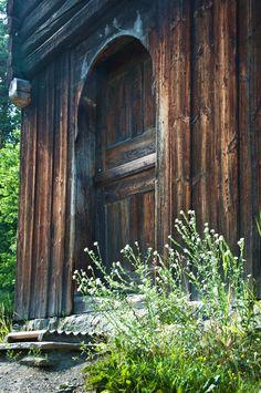 Storehouse (stabbur) door; Norsk Folkemuseum, Oslo