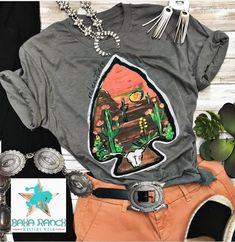 Back by popular demand: our relentless arrow tee has been restocked!Back by popular demand: our relentless arrow tee has been restocked! Hipster Outfits, Cowgirl Outfits, Western Outfits, Western Wear, Casual Outfits, Cute Outfits, Fashion Outfits, Western Style, Women's Fashion