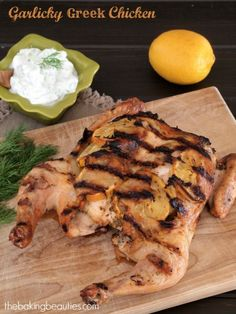 Garlicky Greek Chicken from The Baking Beauties #chickendotca