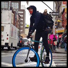 Bildergebnis für bike messenger new york Cowboy Photography, Giant Bikes, Bike Messenger, Urban Cycling, Bicycle Girl, Bike Style, Electric Bicycle, Fixed Gear, Bike Life