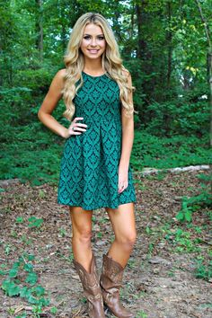 country girl style Teal green dress with taupe cowboy boots in this outfit harmoniously sense of taste real lady and rustic : ? country girl style Teal green dress with taupe cowboy boots in this outfit harmoniously sense of taste real lady and rustic Country Girl Style, Country Girl Outfits, Country Fashion, Country Girls, Country Style Clothes, Rustic Fashion, Country Casual, Mode Outfits, Dress Outfits