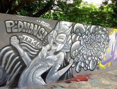 silver woman mural singapore