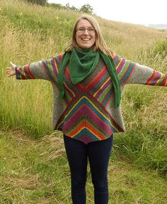 Ravelry: Stricken for you, - patterns Ravelry, Knitted Poncho, Knitted Shawls, Form Crochet, Knit Crochet, Hand Knitting, Knitting Patterns, Big Knit Blanket, Big Knits