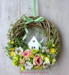 W stylu haute couture vol. Wreath Crafts, Diy Wreath, Door Wreaths, Easter Flower Arrangements, Easter Flowers, Easter Wreaths, Christmas Wreaths, Christmas Decorations, Spring Crafts