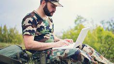 メールの内容を相手に一瞬で理解させる「米軍の文法」  行動:受信者は何らかの行動を起こす必要がある 承認:受信者の承認が必要 情報:情報提供だけが目的で、返信や行動は必要ない 決断:受信者の決断が必要 要求:受信者の許可や承認を求める 調整:受信者と、もしくは受信者による調整が必要