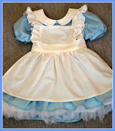 Peaches and Bees: Alice in Wonderland Dress for Little Momo