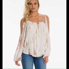 Elan International Pee a Boo Blouse Peek a Boo sleeve blouse, tie dye very soft material 100% Rayon size Large Elan Tops Blouses