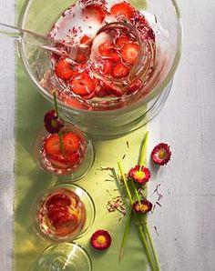 Erdbeer-Riesling-Bowle