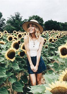 Sunflower fashion. #thedame