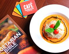 "Check out new work on my @Behance portfolio: ""Foodgasm - CAFE CASA MIA"" http://on.be.net/1OcSDwU"