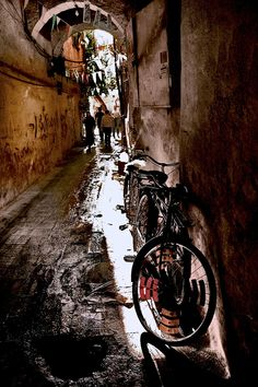 A street, a bike, a ray, Damascus, Syria Syrian Jews, Land Before Time, Invisible Cities, Cradle Of Civilization, Eric Lafforgue, Modern History, Old City, North Africa, Damascus